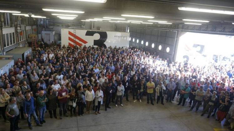 assembly of TV3 workers