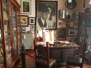 Mussolinis desk